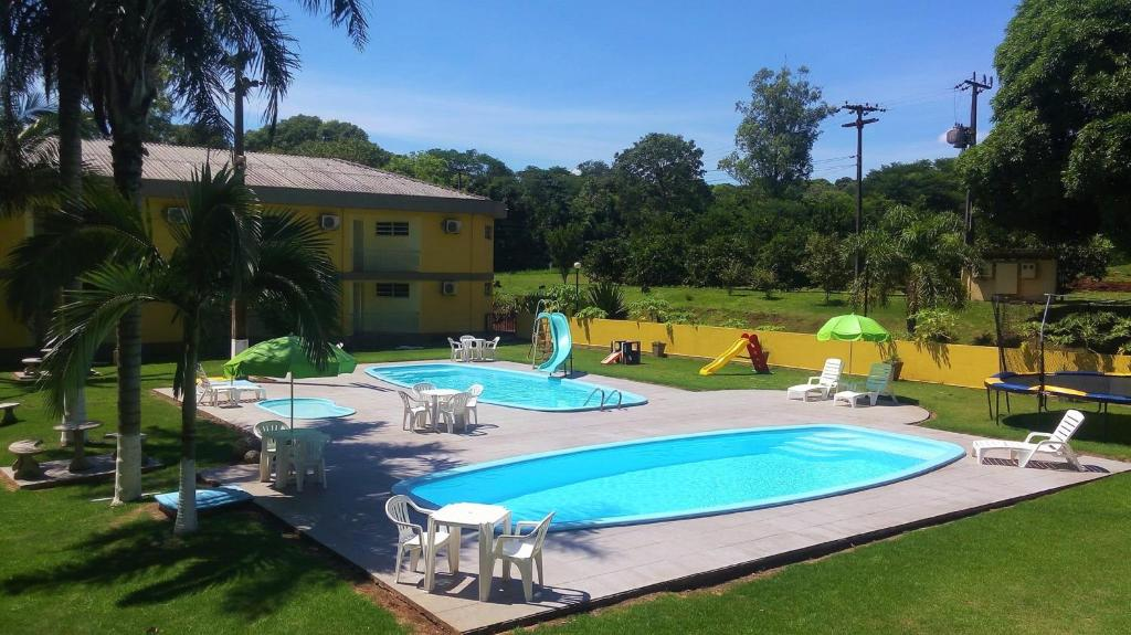 A view of the pool at Canzi Cataratas Hotel or nearby