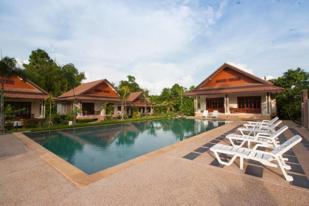 Swimmingpoolen hos eller tæt på Oscar Villa Aonang Krabi