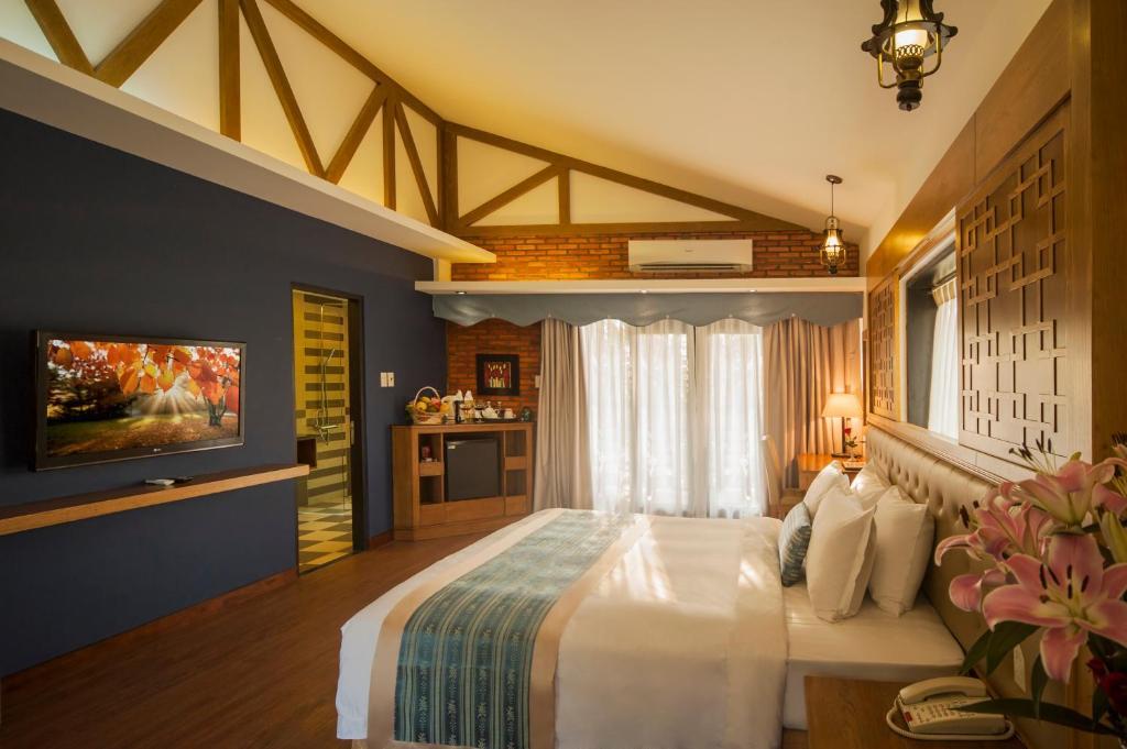 Phòng Premium Deluxe Giường Đôi/2 Giường Đơn Nhìn ra Vườn