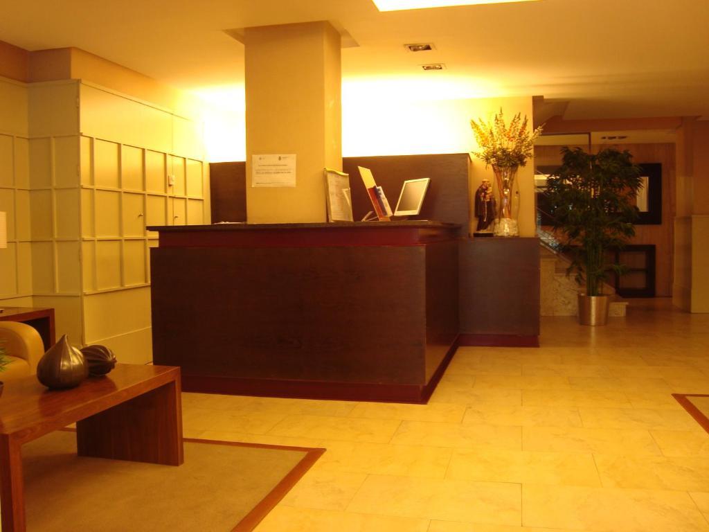 El vestíbulo o zona de recepción de Hotel San Antonio