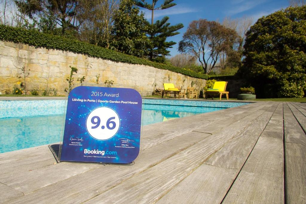 The swimming pool at or near Liiiving in Porto | Oporto Garden Pool House