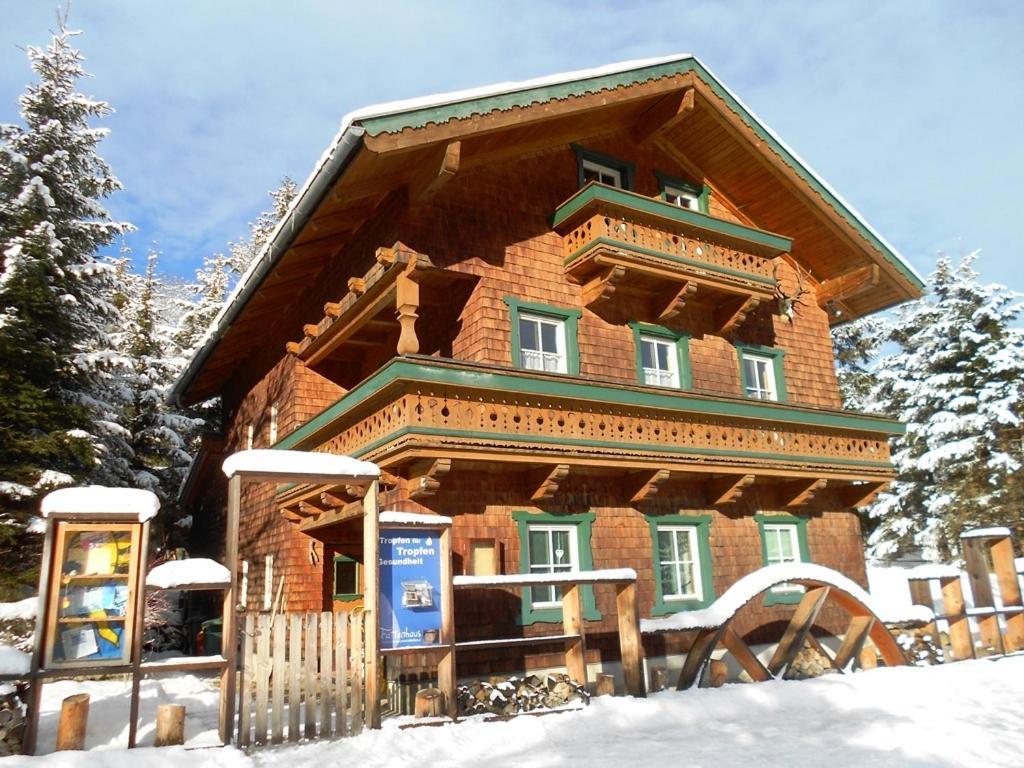 Ferienwohnung Trattenhaus during the winter