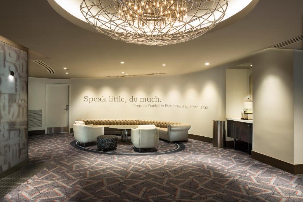 The lobby or reception area at The Windsor Suites Philadelphia