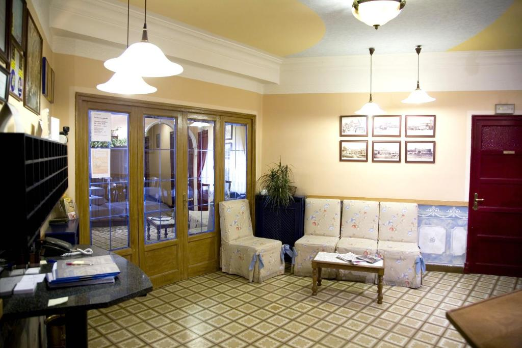 A seating area at Hostal Orejas