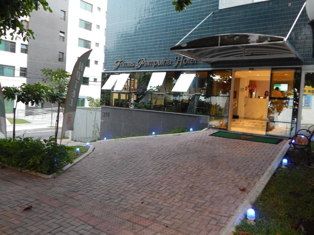 A piscina localizada em Frimas Pampulha Hotel ou nos arredores
