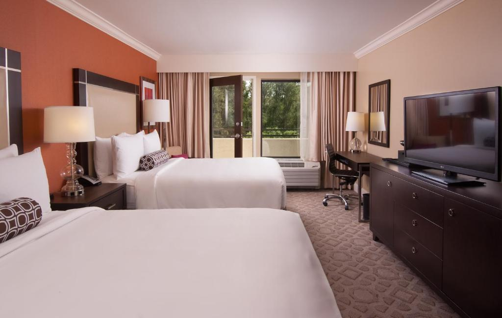 Delta Orlando Hotel by Marriott – Lake Buena Vista