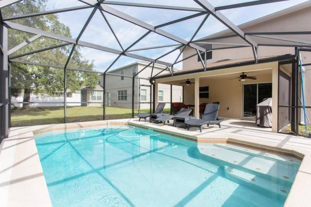 The swimming pool at or close to Clearwater Holiday Home