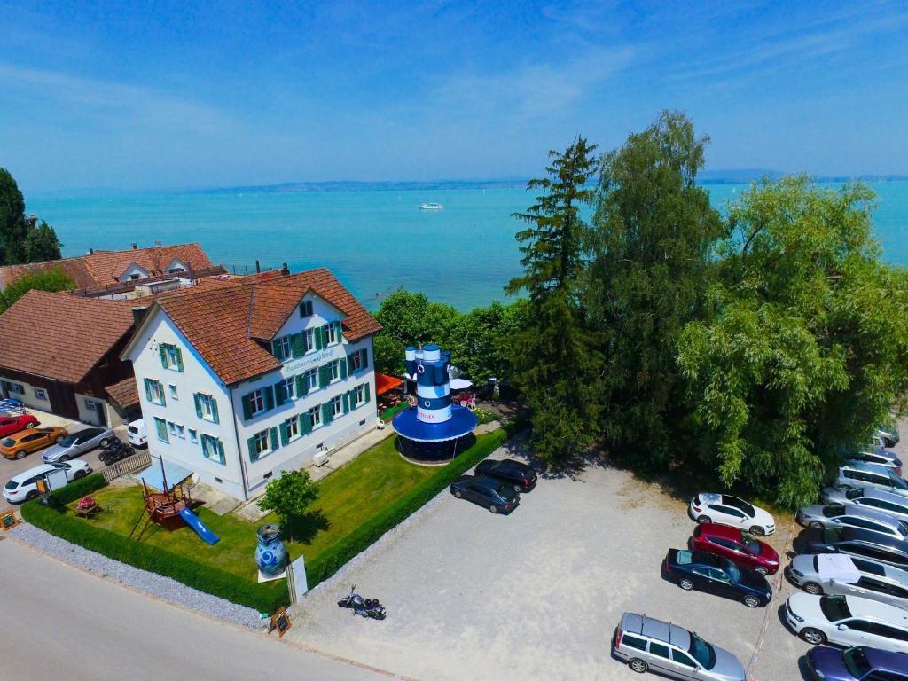 Blick auf Gasthaus Schiff aus der Vogelperspektive