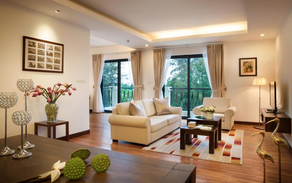Elegant Suites Westlake