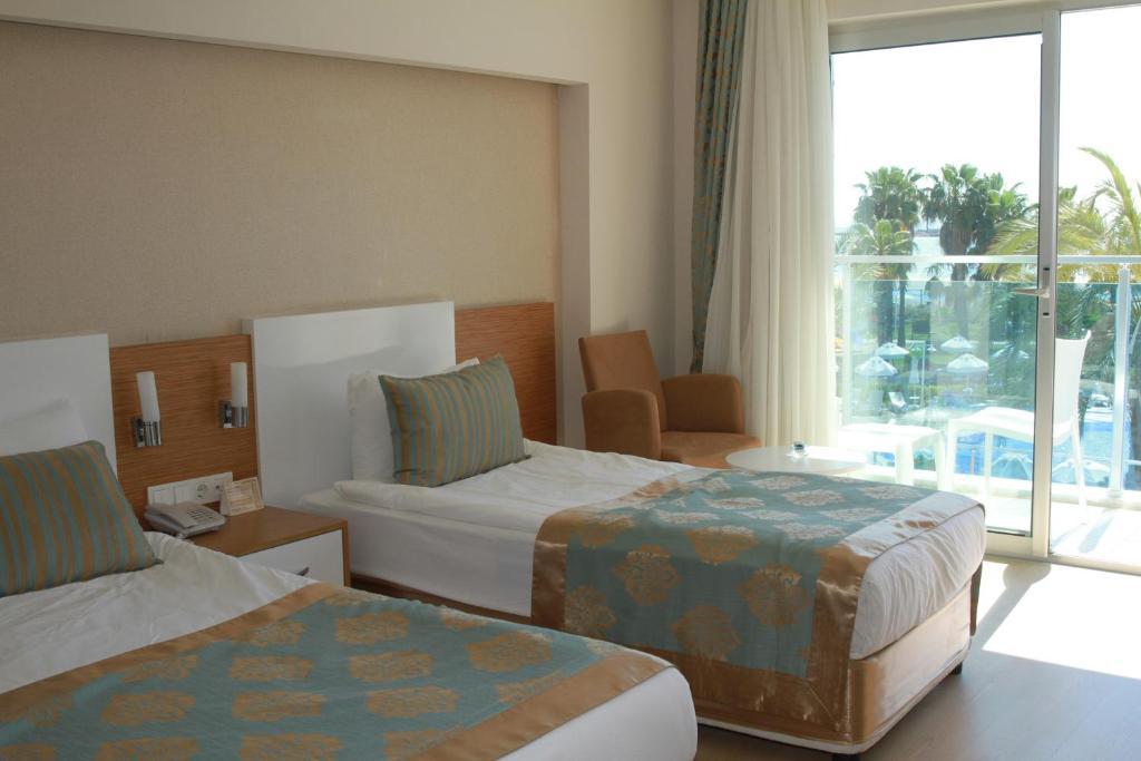 Кровать или кровати в номере Annabella Diamond Hotel - Ultra All Inclusive