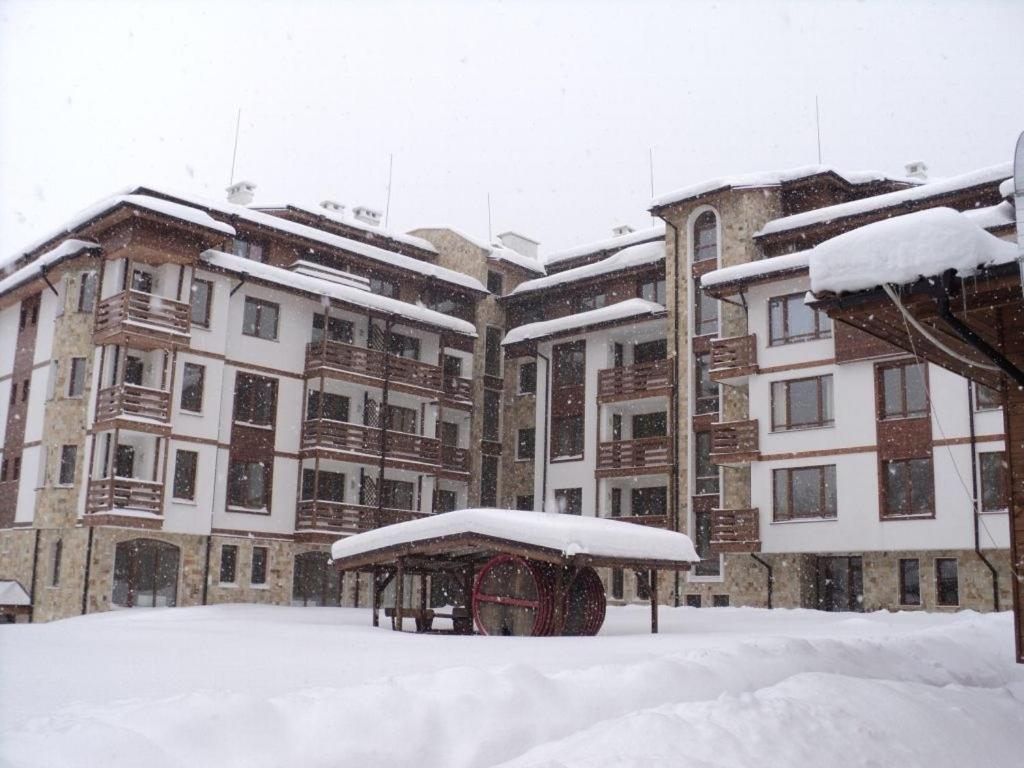 Sapphire Residence Aparthotel during the winter
