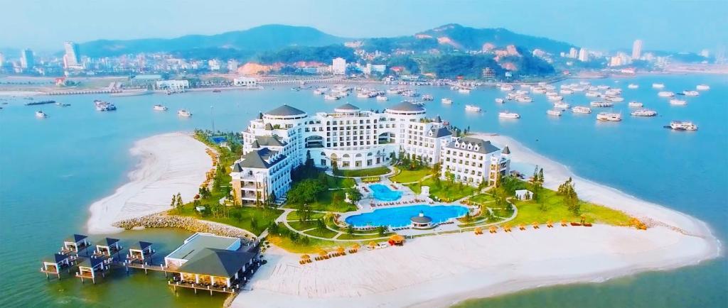 Vinpearl Resort Spa Ha Long Vietnam