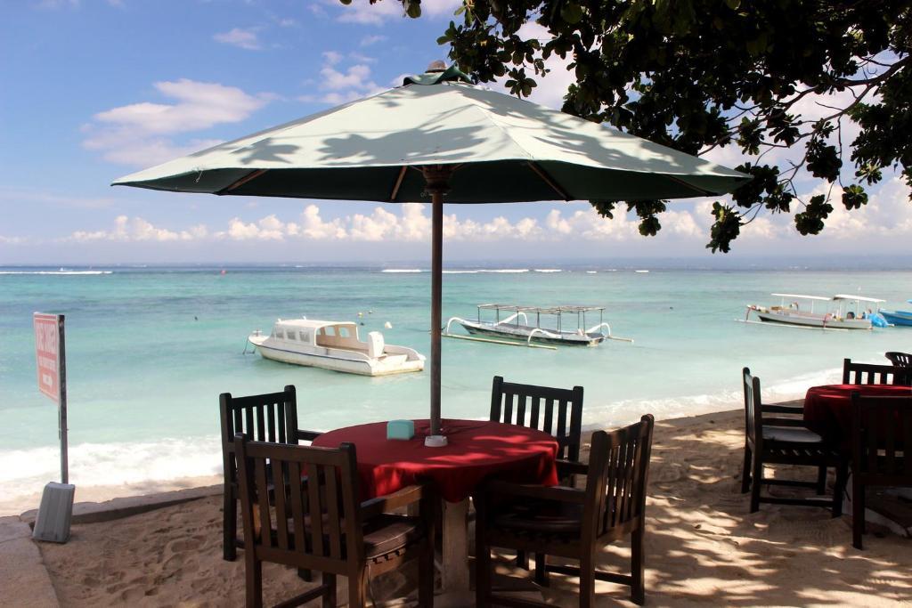 Restaurant o un lloc per menjar a A_One House