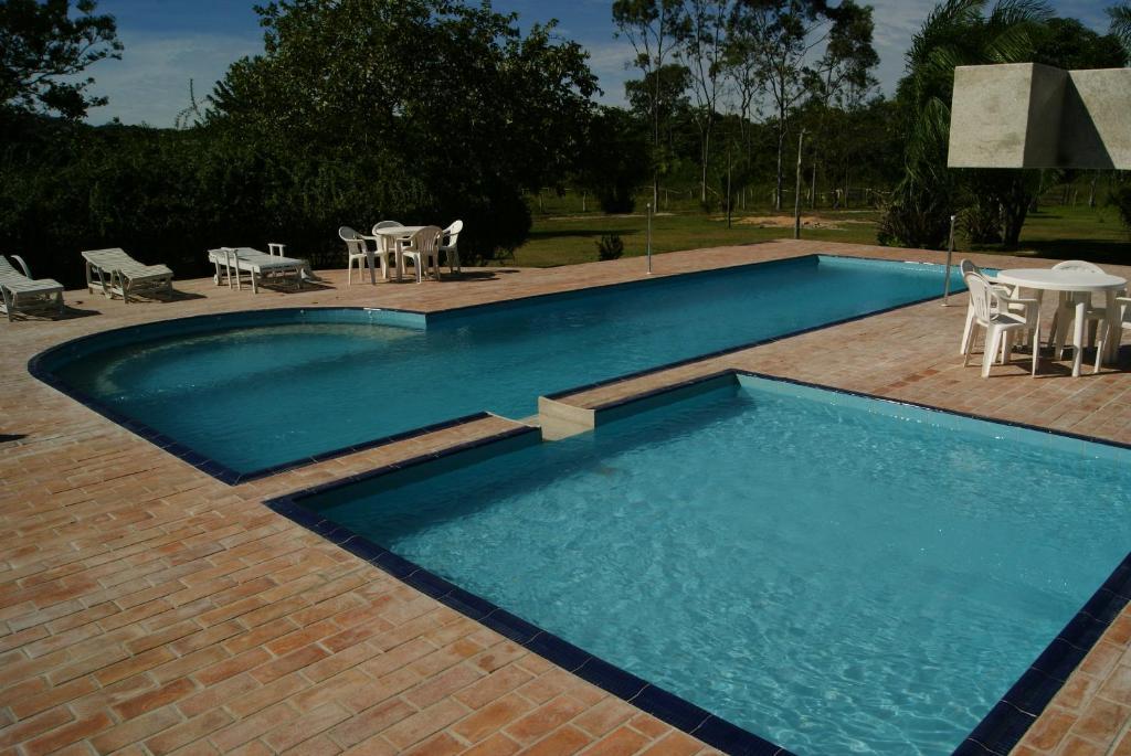 Pousada Canto do Bambuの敷地内または近くにあるプール