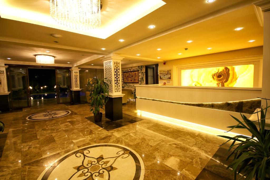 Лобби или стойка регистрации в Venus Suite Hotel