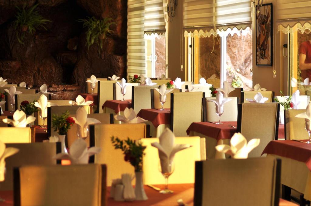 Ресторан / где поесть в Klas Hotel
