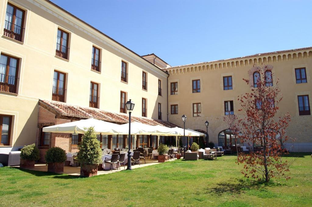 Hotel Cándido (España Segovia) - Booking.com