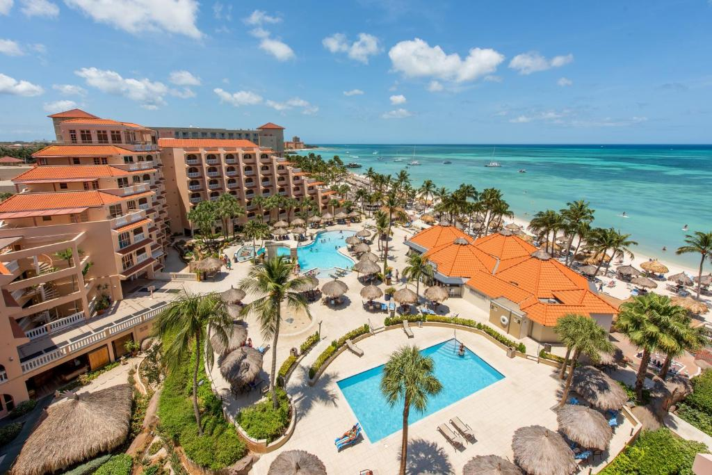 Uma vista da piscina em Playa Linda Beach Resort ou nas proximidades