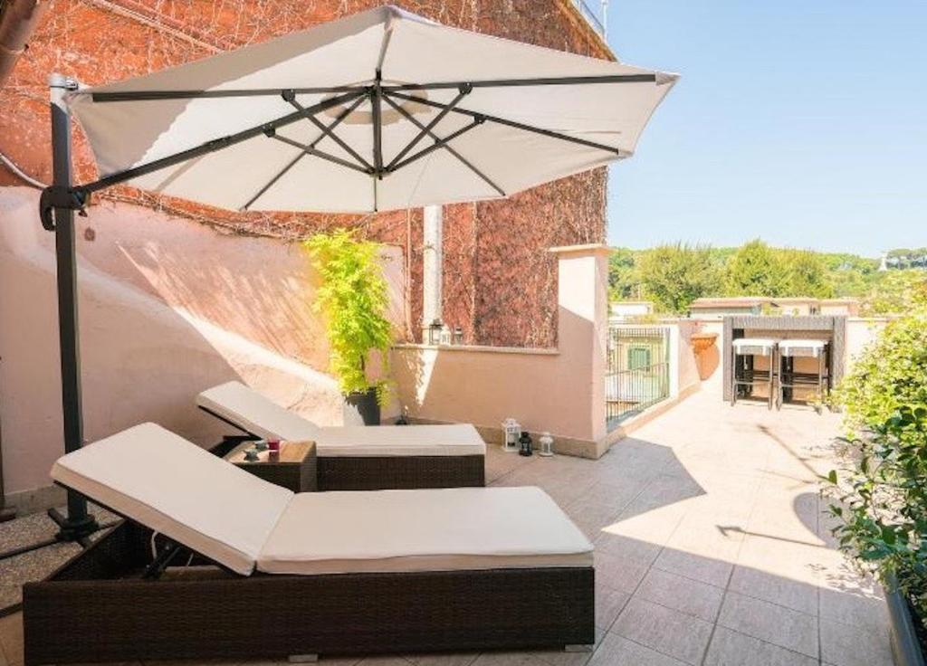 Apartment Garibaldi Roof Garden Rome Italy Booking Com