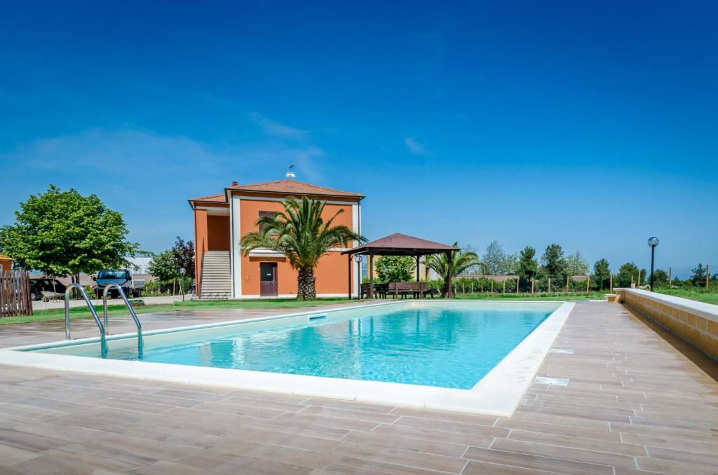 Het zwembad bij of vlak bij Agriturismo Agrimare Barba