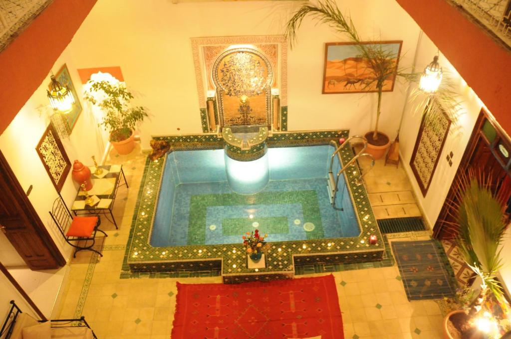 Piscina en o cerca de Riad Harmonie Kennaria
