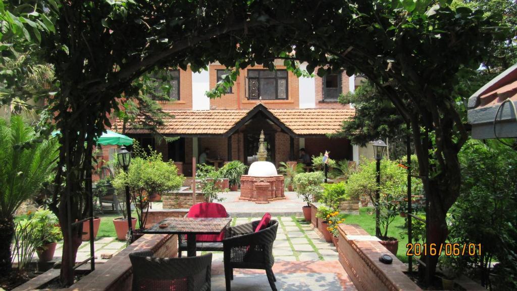 פטיו או אזור חיצוני אחר ב-Hotel Ganesh Himal