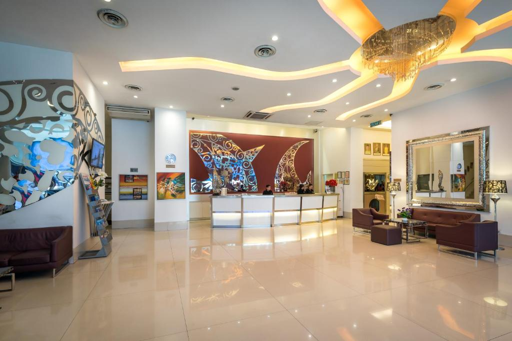 The lobby or reception area at Hotel Sentral Pudu @ City Centre / Bukit Bintang