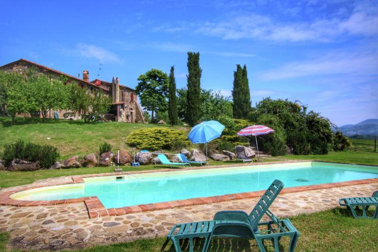 A piscina localizada em Agriturismo Podere Pantano ou nos arredores