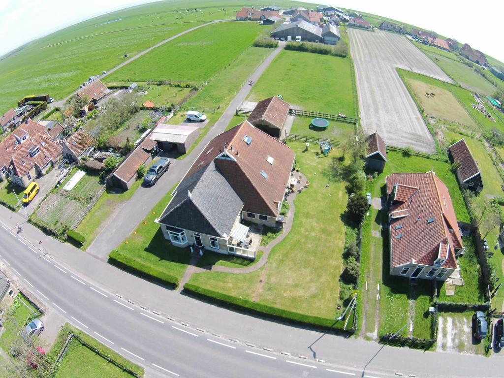 Een luchtfoto van De Fladderak