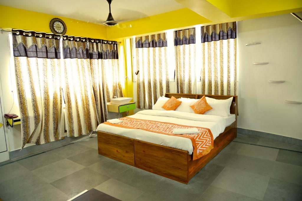A room at Ghosh Villa Guest House
