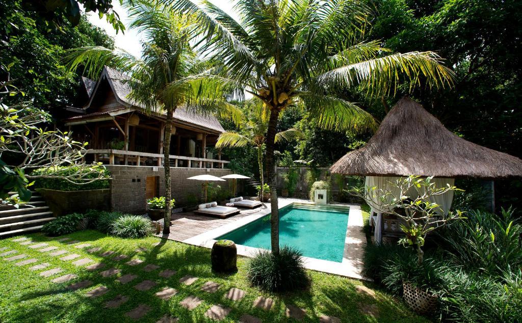 Ein Garten an der Unterkunft Kalapa Boutique Resort & Yoga