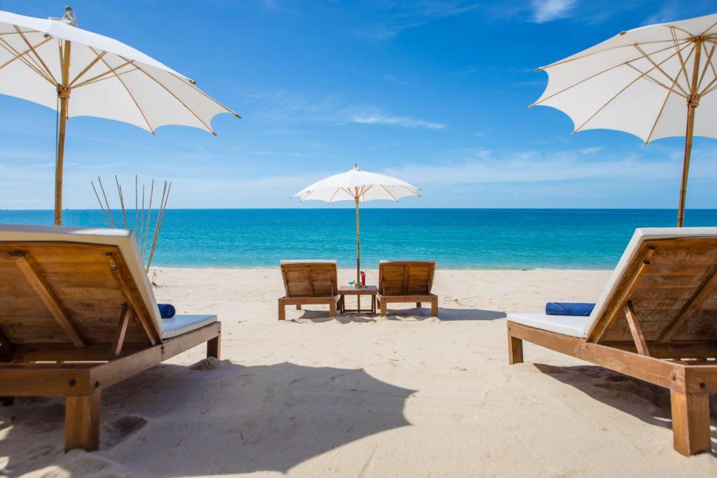 Lamai Coconut Beach Resort tesisinde veranda veya açık alan