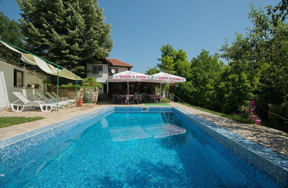 Der Swimmingpool an oder in der Nähe von Complex Orehite