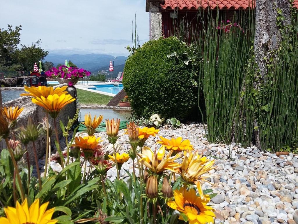 A garden outside Casa D`Auleira