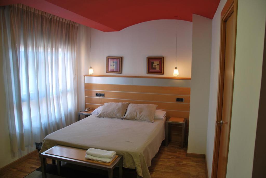 Hotel Trefacio (España Zamora) - Booking.com