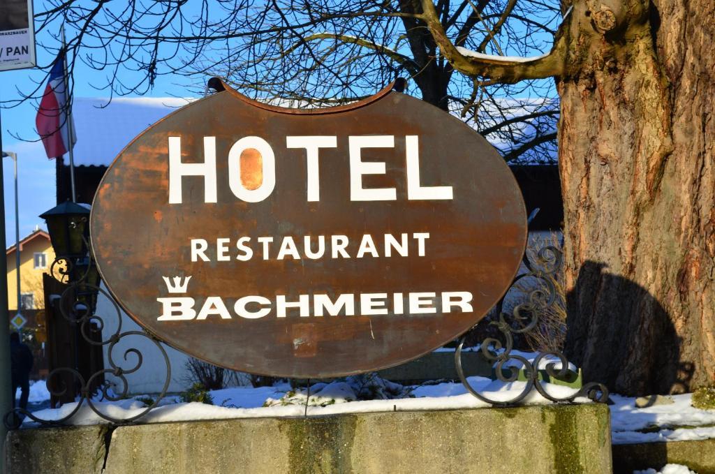 Ein Zertifikat, Auszeichnung, Logo oder anderes Dokument, das in der Unterkunft Hotel Bachmeier ausgestellt ist
