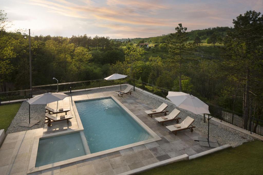 Pogled na bazen u objektu Resort Čiže ili u blizini