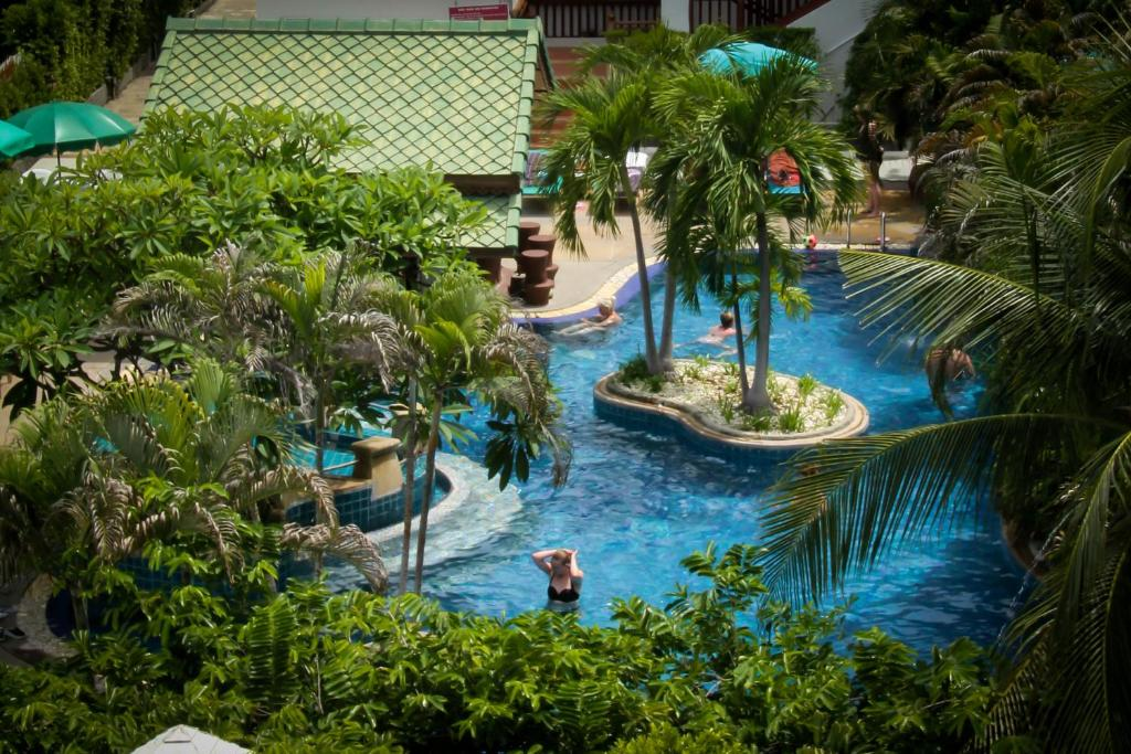A view of the pool at Baan Karonburi Resort or nearby