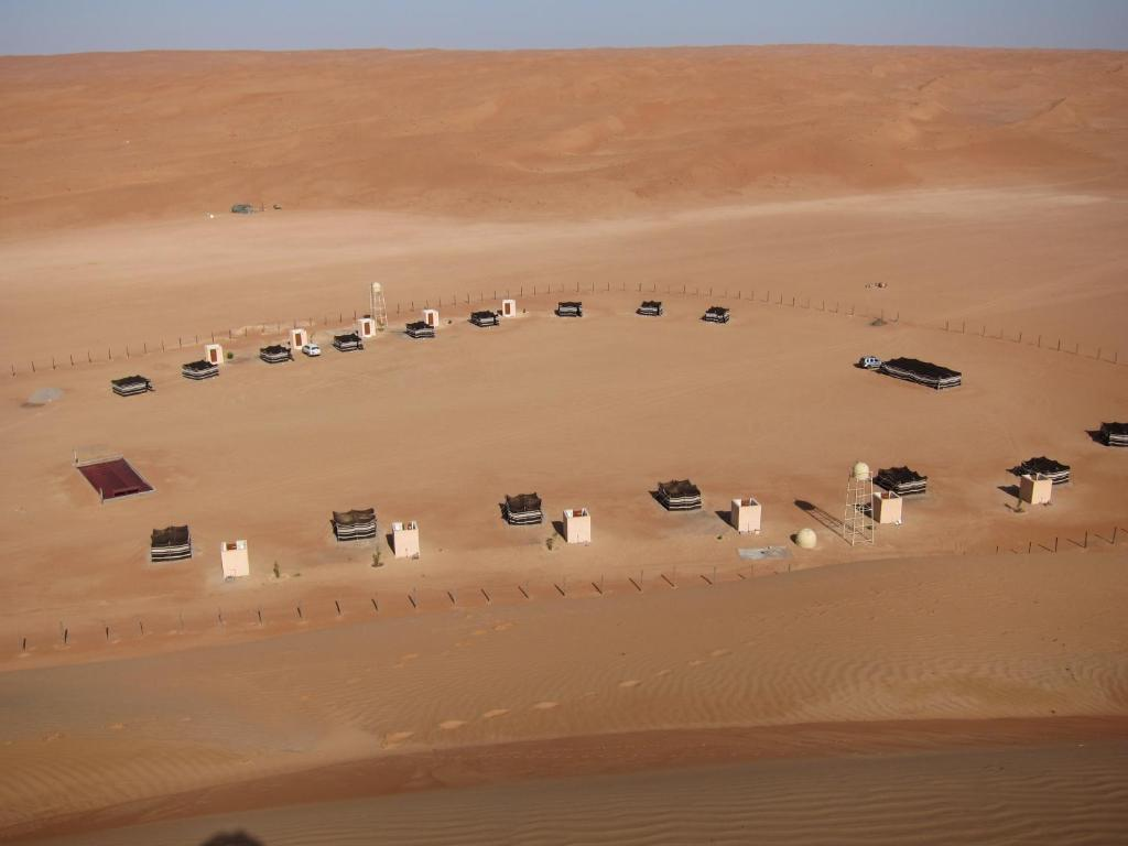Een luchtfoto van Desert Retreat Camp