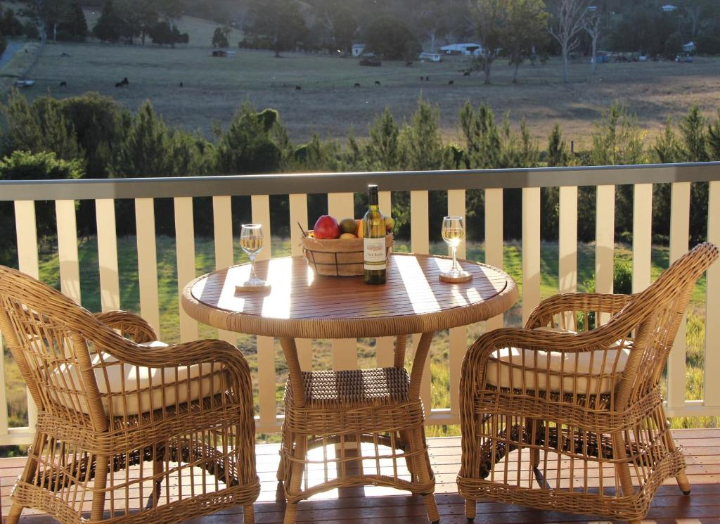 A balcony or terrace at Greenlee Cottages