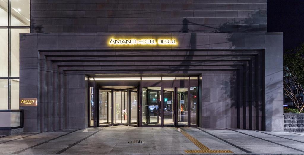 The facade or entrance of Amanti Hotel Seoul