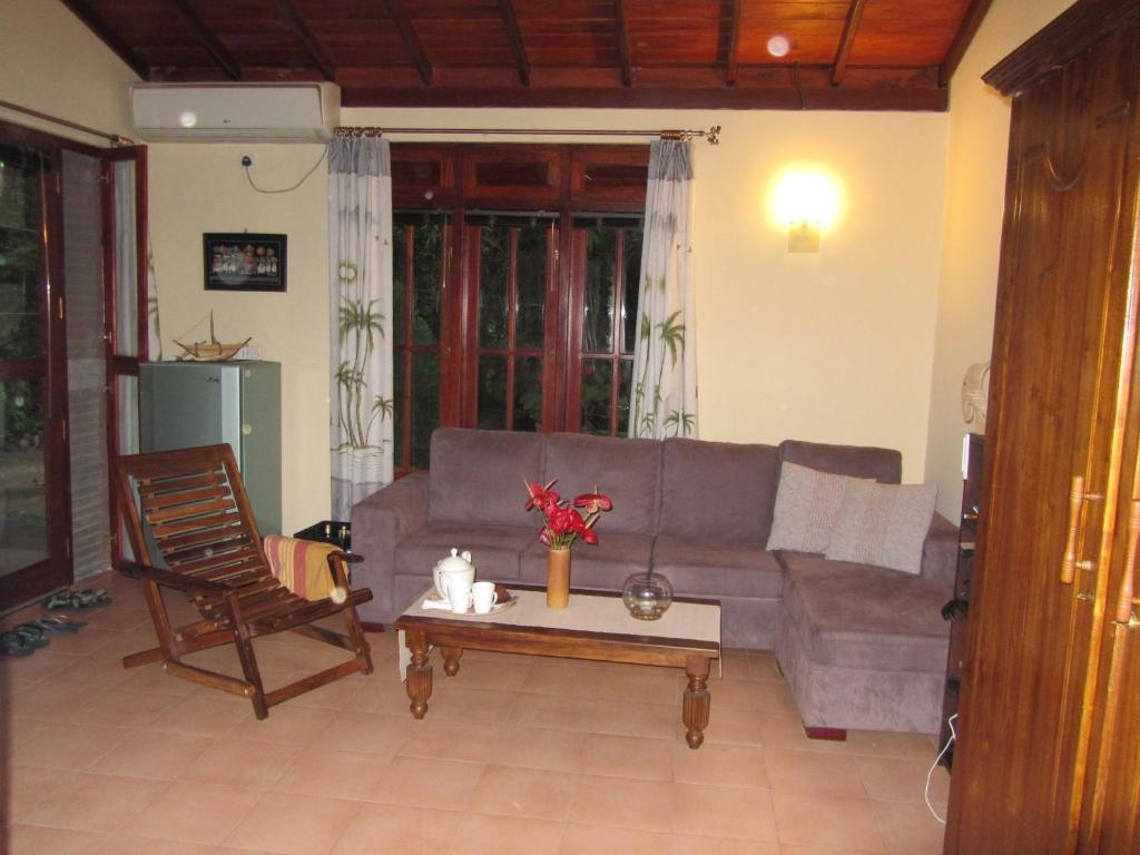 A seating area at Mallis Guesthouse