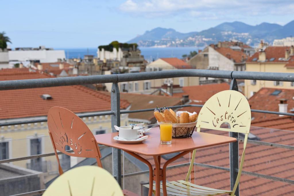 A balcony or terrace at L'Esterel