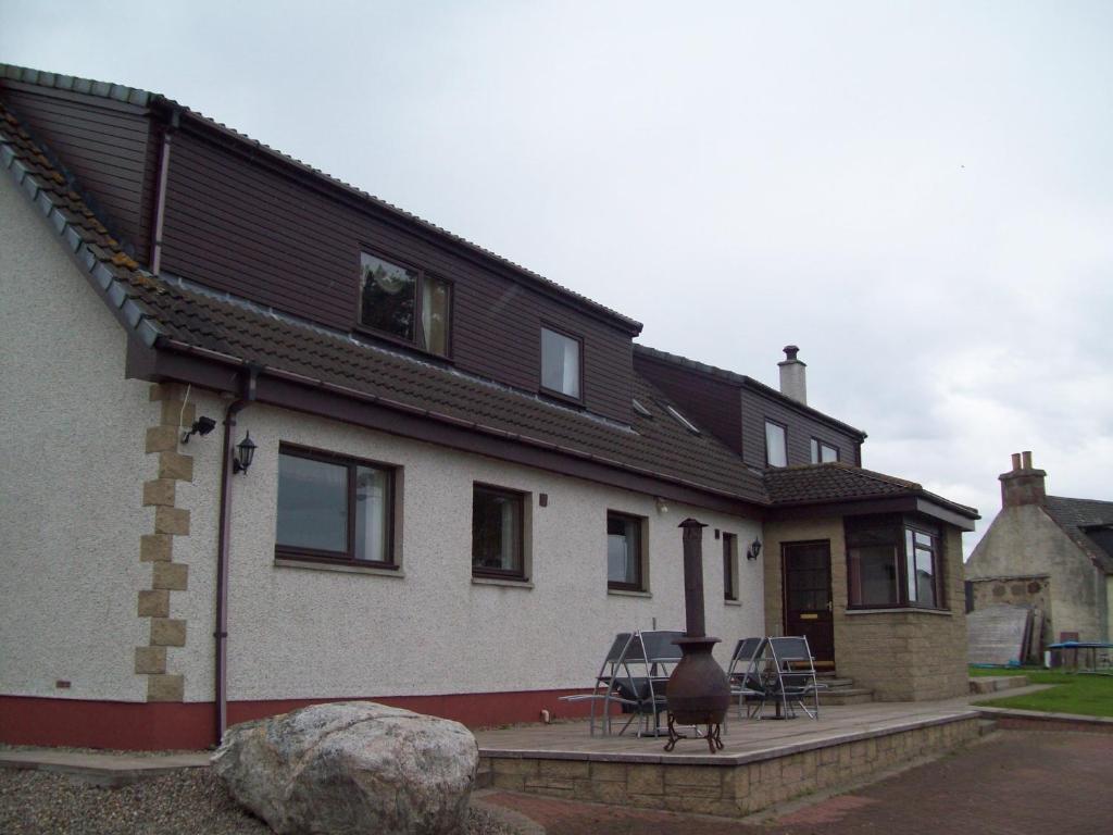 The facade or entrance of Westview House