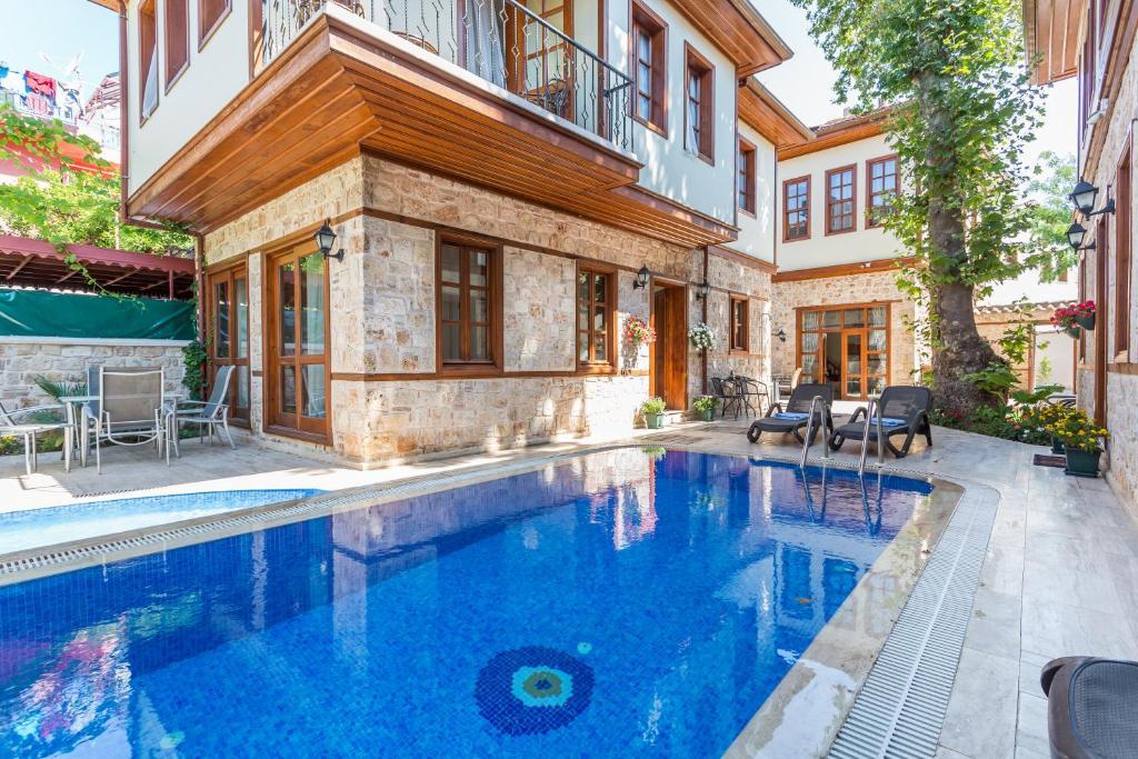 Бассейн в Villamavi Luxury Villas & Aparts или поблизости