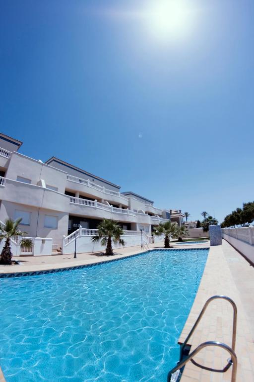Apartamentos H3 Laguna-Playa, Roquetas de Mar – Precios ...