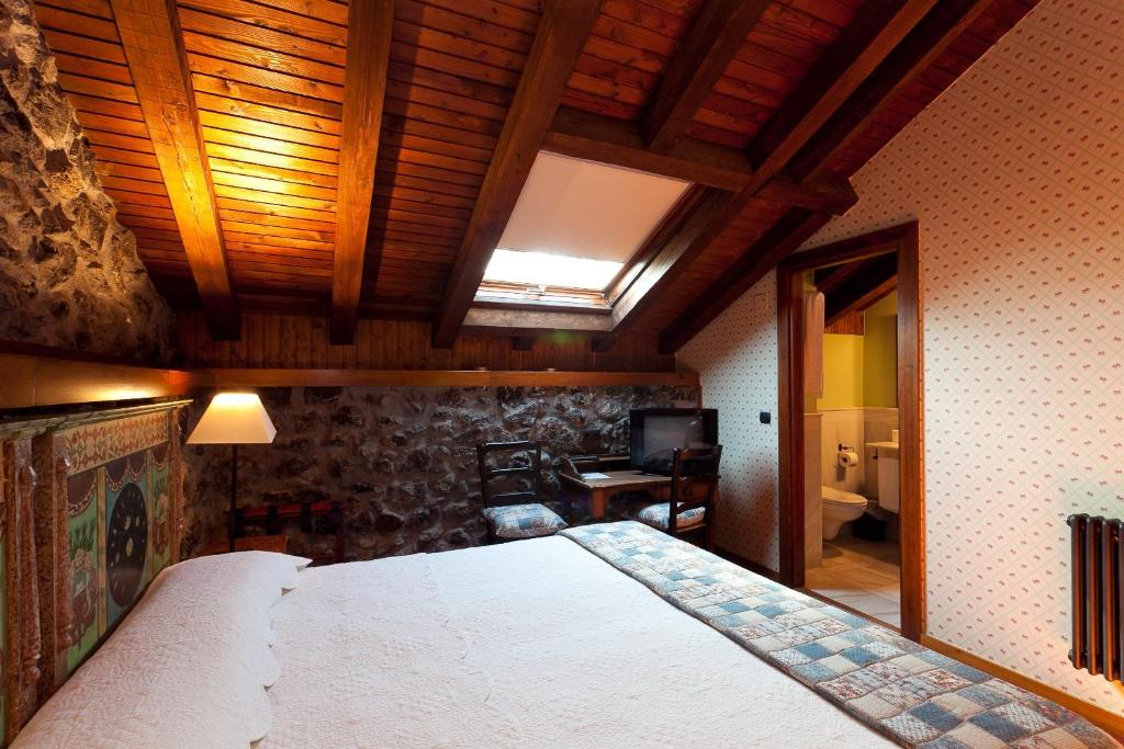 boutique hotels in etxebarria  8