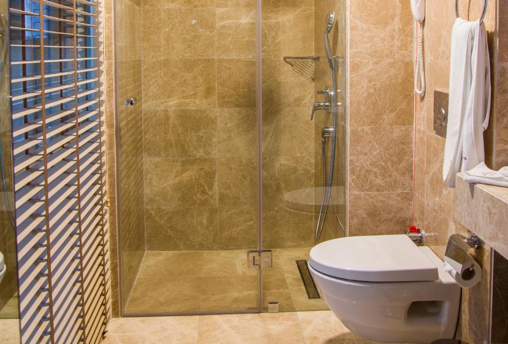Ванная комната в Peyk Hotel