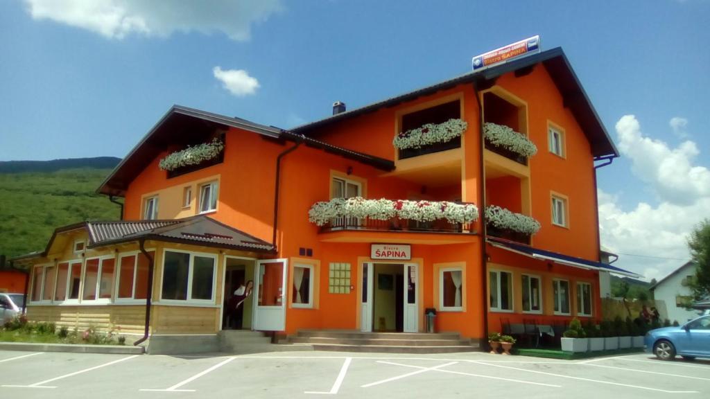 House Šapina