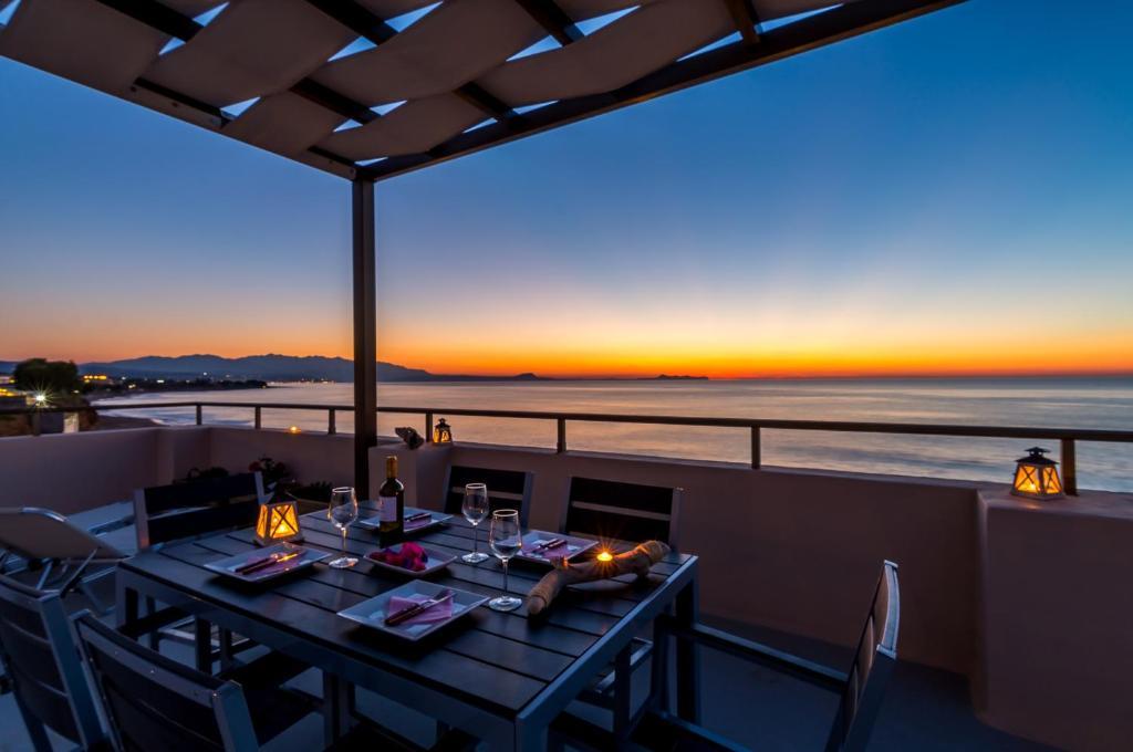 A balcony or terrace at Alkionis Beach